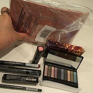 7 PC bundle of makeup 💜💗💓💙❣️by Avon